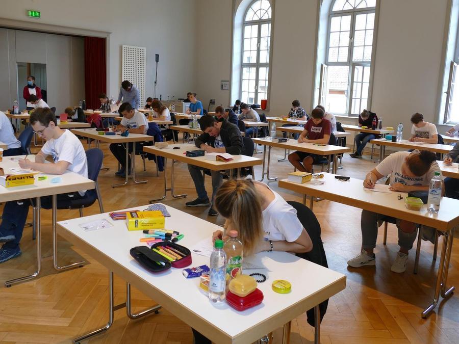 Abiturstart an der FOSBOS in Weißenburg