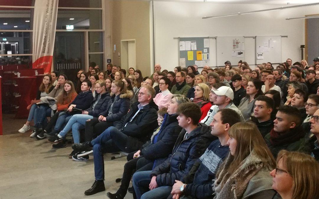 Gut besuchte Info-Abende der FOSBOS Weißenburg