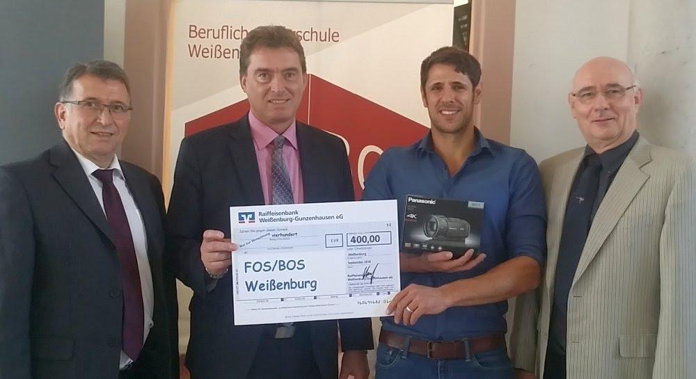 Raiffeisenbank unterstützt FOSBOS Weißenburg